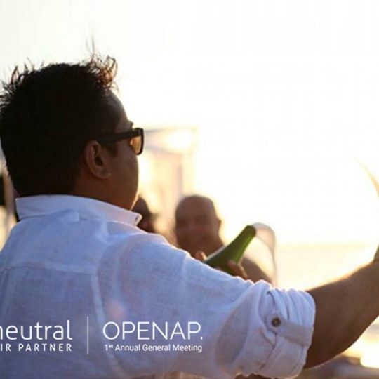 https://openap.neutralairpartner.com/wp-content/uploads/2016/10/Cocktail-reception-1-1-540x540.jpg